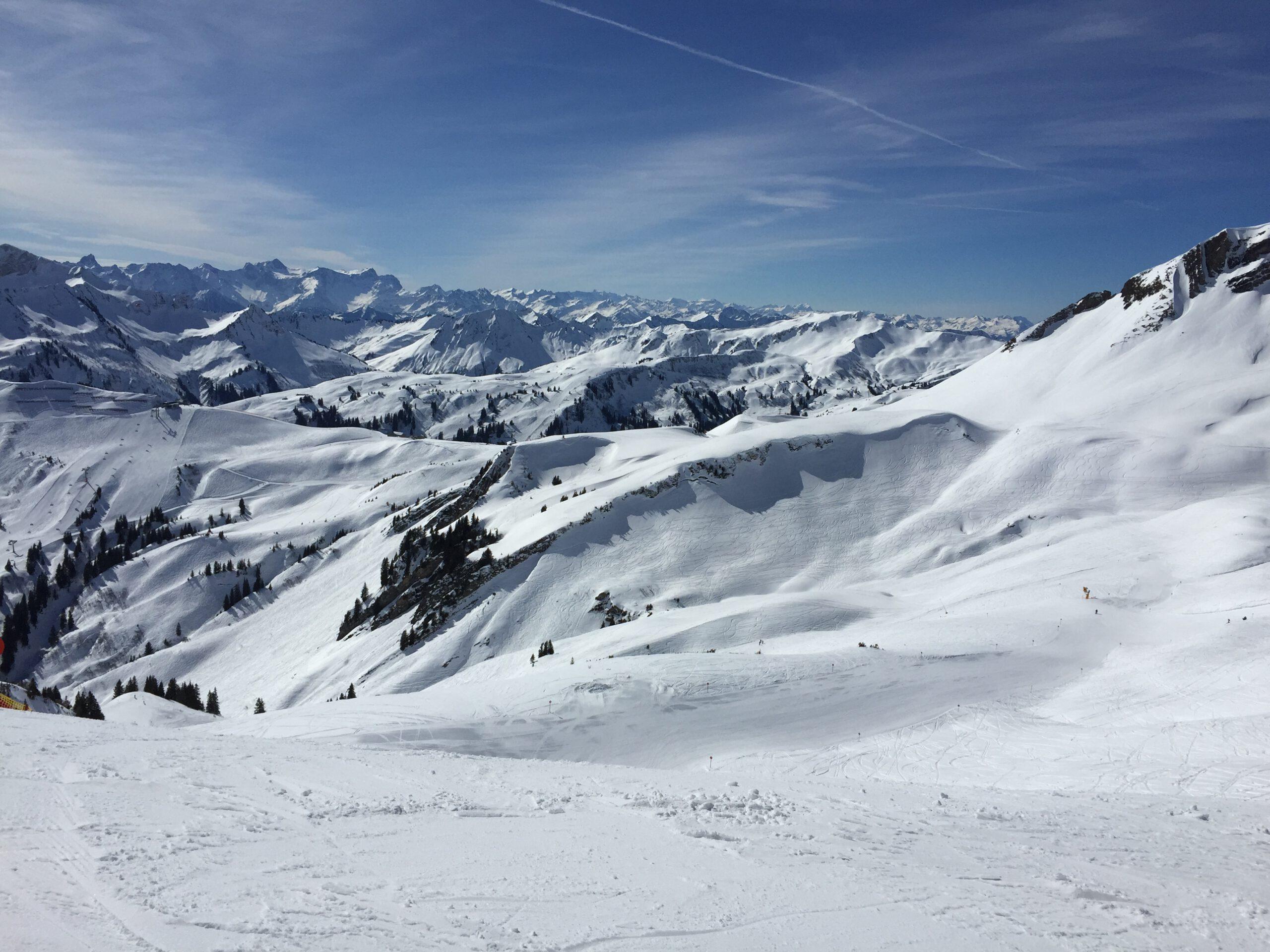 Der Blick über schneebedeckte Berge und grenzenlose Weiten öffnen mir das Herz.